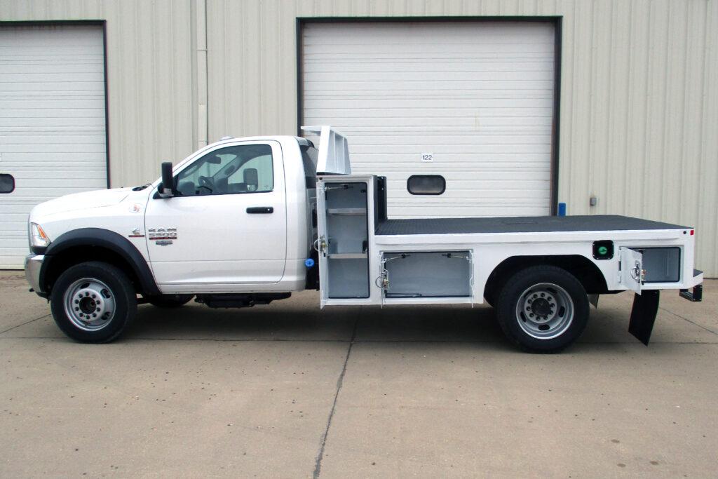 Service Trucks International Flatbed Body