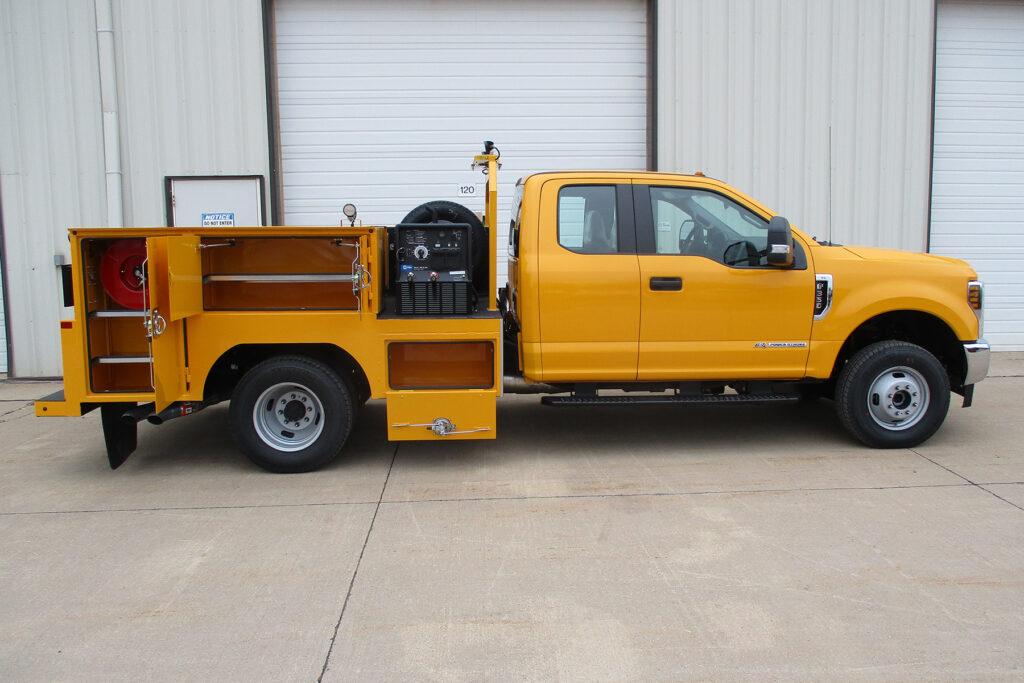 9' Service Trucks International body 2244