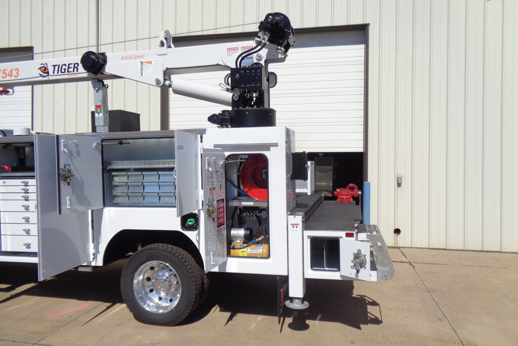 Service Trucks International Crane Body 2250