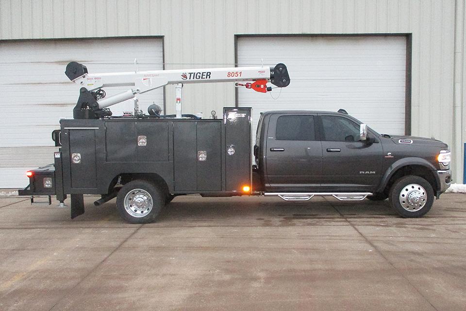 Service Trucks International Model 2252 Crane Body