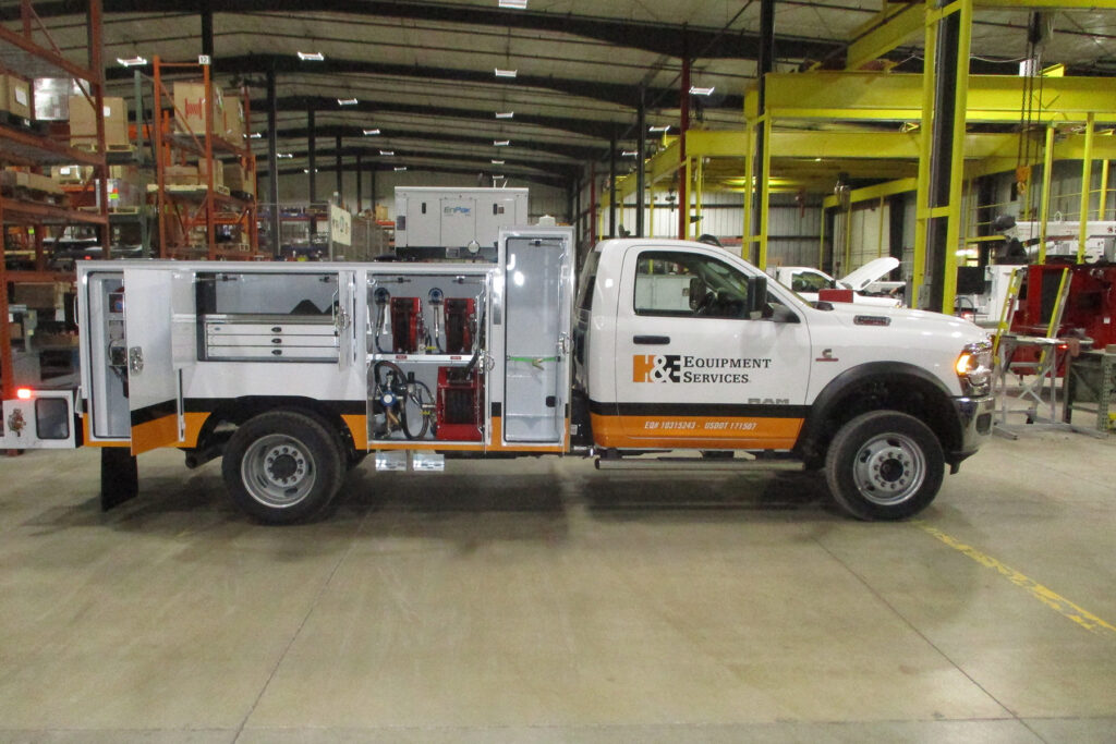 Service Trucks International 11' Service Body